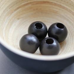 les perles décoratives en bois noir - 2 cm