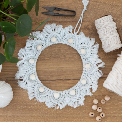 Ready-to-create macrame crown kit - Baan