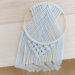 Ready-to-create macrame dreamcatcher kit - Pilea