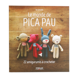 Book - The world of Pica Pau