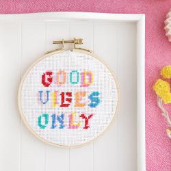 Cross stitch kit - Good...